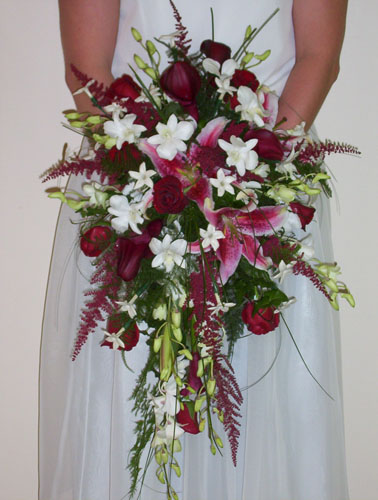 Cascade Bridal Bouquet Instructions : Connells maple lee flowers and gifts gallery